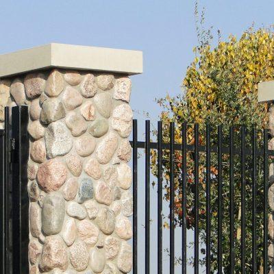 HERO3-Granite-Cobbles-fieldstone-veneer-stone-masonry-Mosaic-stone-granite-stone-veneer-Full-Thin-Stone-Veneer-Buechel-Stone-project-gallery-photo-stone-pillars-exterior-stone-veneer